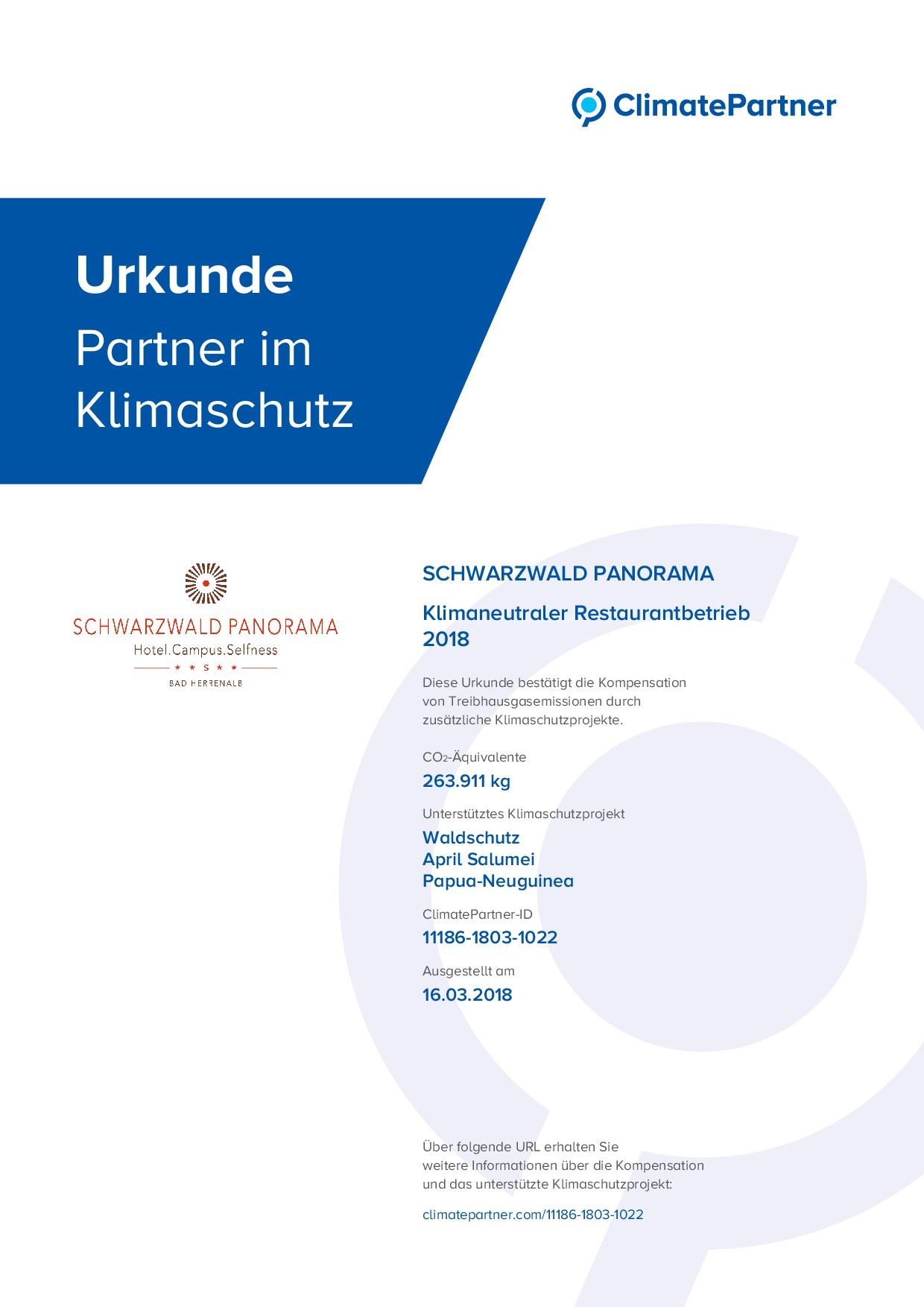 Urkunde von Climate Partner für das Hotel Schwarzwald Panorama für die Kompensation von Treibhausgasemissionen durch zusätzliche Klimaschutzprojekte im Jahr 2016