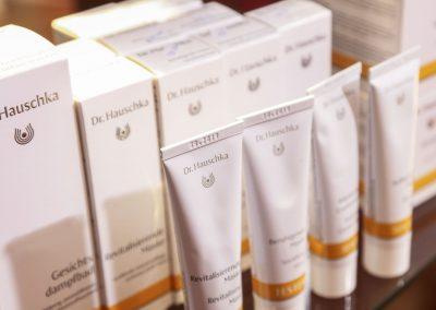 Dr. Hauschka Pflegeprodukte: Revitalisierende Maske und Gesichtsdampfbad