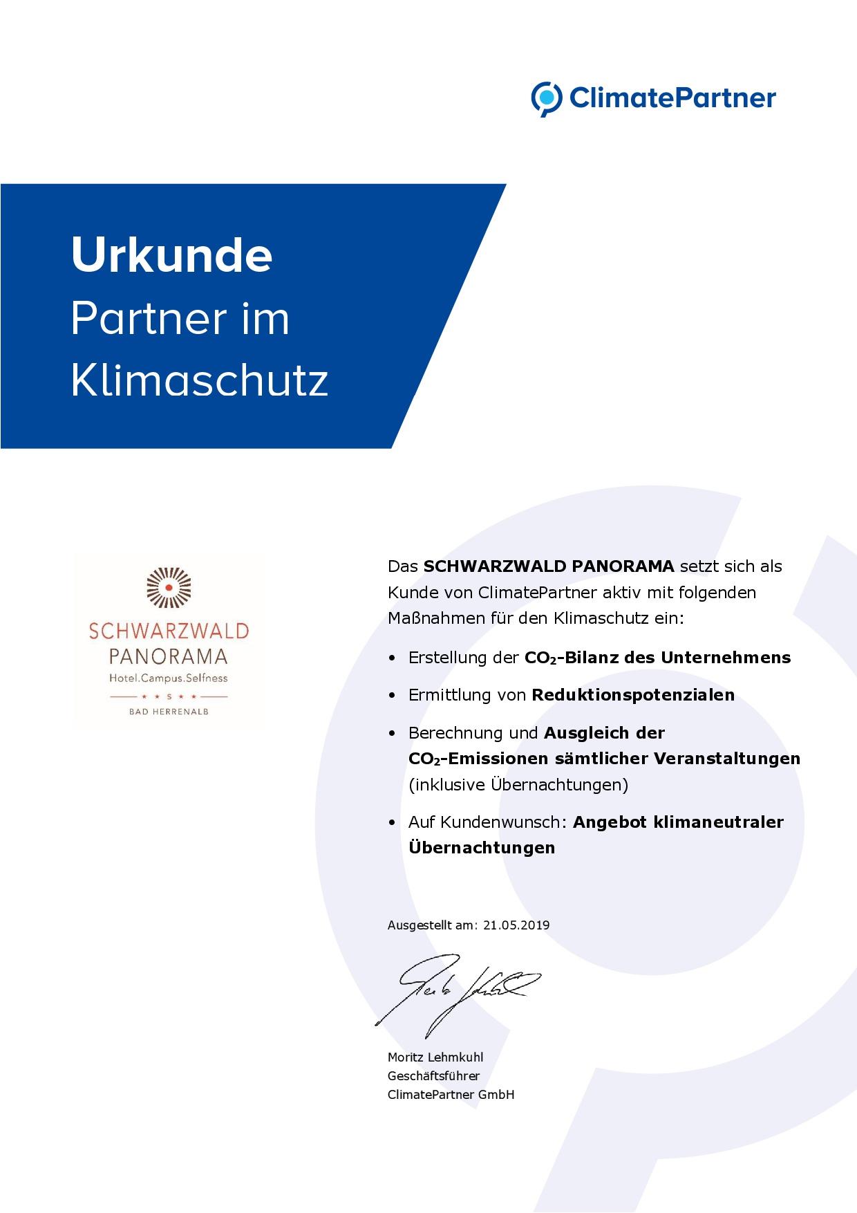 Zertifikat von Climate Partner für klimaneutrale Übernachtungen im Hotel Schwarzwald Panorama
